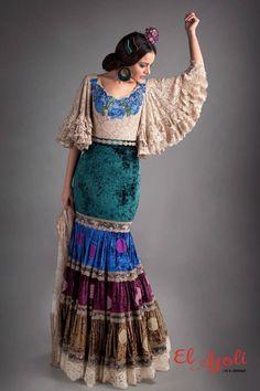 Hechura falda y tela Retro Fashion, Boho Fashion, Womens Fashion, Flamenco Costume, Spanish Dress, Sleeves Designs For Dresses, Spanish Fashion, Edwardian Dress, Mexican Dresses