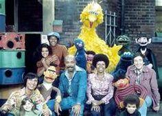 Sesame St. pre-Elmo!  So many grown-ups in the hood:  Bob, Susan, Gordon, Maria, Luis, Mr. Hooper, ...
