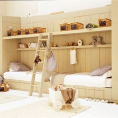 Intimate and cozy bed cozy atmosphere reminiscent of a chalet, ideal for 2 children sharing the same room.    www.marieclairema...