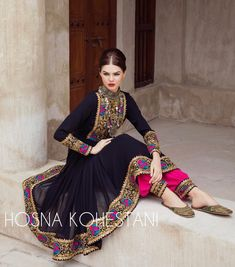 Indian Look, Indian Wear, Pakistani Outfits, Indian Outfits, Afghani Clothes, Afghan Dresses, Velvet Fashion, Indian Designer Outfits, Beautiful Outfits