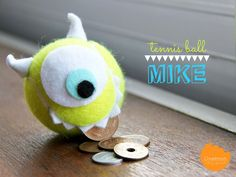 DIY Tutorial: Learn how to make this Mike Wazowski coin dispenser from a tennis ball Kids Crafts, Crafts To Do, Craft Projects, Projects To Try, Arts And Crafts, Disney Diy, Disney Crafts, Tennis Ball Crafts, Mike Wazowski