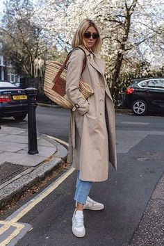 trench coat outfit – Trench coat outfit for spring Trench Coat Outfit, Trench Coat Style, Coat Dress, Burberry Trench Coat, Mode Outfits, Casual Outfits, Fashion Outfits, Womens Fashion, Spring Summer Fashion