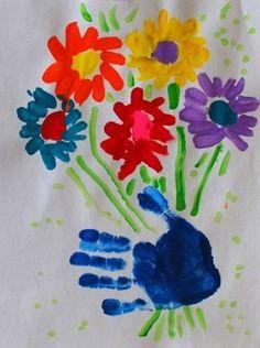 bosje bloemen verven of plakken met hand afdruk