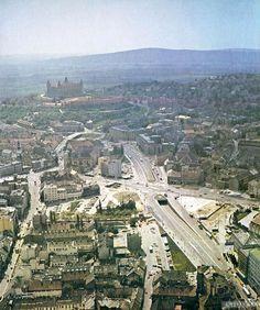 rok 1980 Bratislava Slovakia, Paris Skyline, Nostalgia, Places, Photography, Travel, Castles, Retro, Sweet