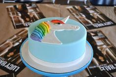 A unicorn cake Cupcake Cakes, Cupcakes, Lucy Hale, The Duff, Pretty Little Liars, Cake Decorating, Pll, Party, Desserts