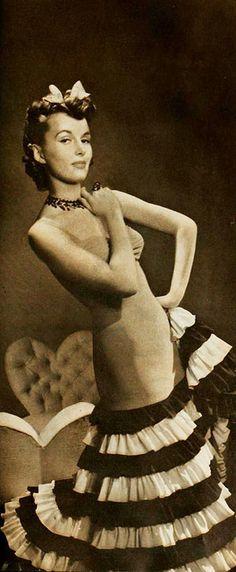 From a 1939 Munsingwear Foundettes ad. #vintage #fashion #1930s
