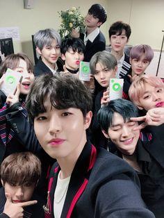 171202 Wanna One Melon Music Award K Pop, One Twitter, Twitter Update, Guan Lin, Perfect Boy, Kim Jaehwan, Ha Sungwoon, My Youth, Seong