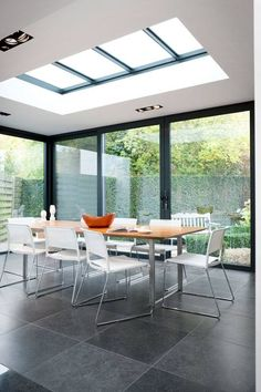 25 Most Amazing Indoor Skylights To Improve Your Interiors Skylights are one of the best ways if you want to include outdoor shades into your home. This decoration emphasizes abundant natural lighting and allows your interior to become brighter Skylight Design, Roof Skylight, Moderne Lofts, Roof Design, House Design, House Extension Design, Porch Roof, Porch Area, Front Porch