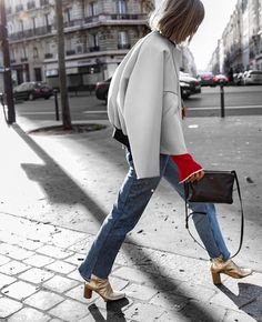 Always omw when in Wearing men's jacket Photo by - my photographer of choice Gold Boots, Cool Street Fashion, Pretty Outfits, Pretty Clothes, Her Style, Instagram Fashion, Fashion Photo, Parisian, Outerwear Jackets