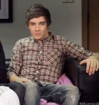 Day 14: Favorite Liam Payne gif    this one is soooo perfect its his 123 flick!!! what could be better!!!!?????!!!??