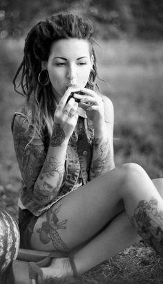 thigh tattoos, girl, hippi, dreadlocks, pierc, style, beauti, tattoo ink, hair