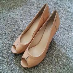 Nine West leather shoes size 7 1/2 EUC!! Nine West tan leather peeptoe shoes. Size is 7 1/2. Nine West Shoes