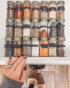 Why does this suddenly make me feel like I could conquer the WORLD? 😍🙌🏼😂 Finally organize the dadgum spice drawer: CHECK. ✓ Have you caught the start-of-a-new-year organizational bug, too? Kitchen Organization Pantry, Spice Organization, Home Organisation, Kitchen Pantry, Kitchen Storage, Kitchen Decor, Organizing, Cozy Kitchen, Bathroom Organization