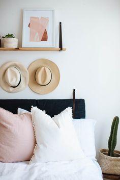 Make these pom pom trim cushions. Click for tutorial!