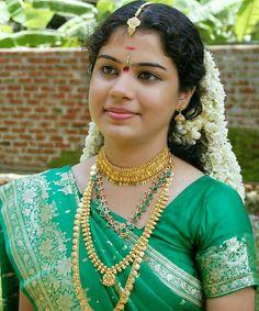 (notitle) – Moorthy – Source by Beautiful Girl Indian, Most Beautiful Indian Actress, Beautiful Saree, Beautiful Models, Indian Wedding Bride, South Indian Bride, Desi Bride, Indian Photoshoot, Kerala Bride