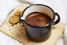 Boisson au lait de noisette et chocolat