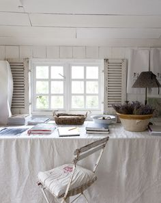 ~ French/Nordic Farmhouse and Cottage Decor ~ Gardens ~ Nature ~ Photography ~ Architecture ~ Art ~. Home Office, Shabby Chic, Shabby Vintage, Vintage Farm, Vintage Bohemian, Interior And Exterior, Interior Design, Interior Ideas, Cottage Interiors