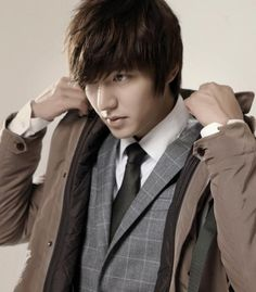 Lee Min Ho won Top Excellence Award 'SBS Drama Awards 2012 ♥ Boys Over Flowers ♥ Personal Taste ♥ City Hunter ♥ Faith Boys Over Flowers, Boys Before Flowers, Flower Boys, Korean Star, Korean Men, Asian Men, Asian Actors, Korean Actors, Korean Dramas