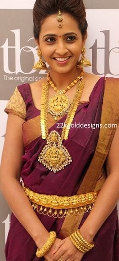 Anchor Lasya in TBZ Heavy Temple Gold Jewellery Gold Jewellery Design, Gold Jewelry, Where To Sell Gold, Celebrity Dresses, Sari, Beautiful Women, Classy, Actresses, Chic