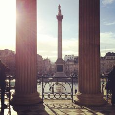 A sunny view of Trafalgar Square this morning in London 7°C I 44°F #BurberryWeather