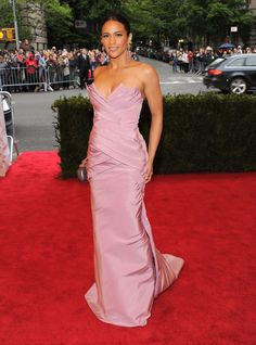 Paula Patton looked lovely in lilac on the Met Gala red carpet.