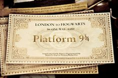 Discovered by Movies and Tv series. Find images and videos about harry potter, london and hogwarts on We Heart It - the app to get lost in what you love. Images Harry Potter, Harry Potter Love, Harry Potter World, Lily Potter, Roald Dahl, Harry E Gina, Hogwarts Express Ticket, Hogwarts Train, Hogwarts Letter