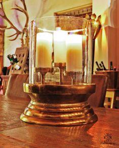"""Luxuriöses Windlicht """"Copernicus"""" aus Metall und Glas gefertigt. Der luxuriöse Kerzenhalter für 3 Kerzen verbreitet überall romantische Stimmung und einen Hauch von Luxus. Bronze Gold, Home And Living, Candle Holders, Candles, Romantic Humor, Paint Metal, Home Decor Accessories, Hang In There, Luxury"""