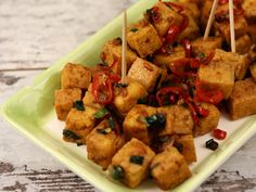 Tofu picant Tofu, Raw Vegan, Avocado, Goodies, Appetizers, Meat, Chicken, Cooking, Healthy