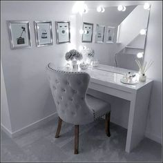 Healthy meals to lose weight delivered to your door for a room ideas Sala Glam, Dressing Room Decor, Dressing Table Chair Grey, White Dressing Tables, Dressing Table Mirror, Makeup Room Decor, Makeup Rooms, Makeup Chair, Cute Room Decor