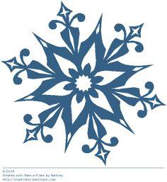 Snowflake Outline, Snowflake Images, Snowflake Designs, Christmas Mandala, Christmas Snowflakes, Fall Crafts, Holiday Crafts, Make A Flake, Front Door Christmas Decorations