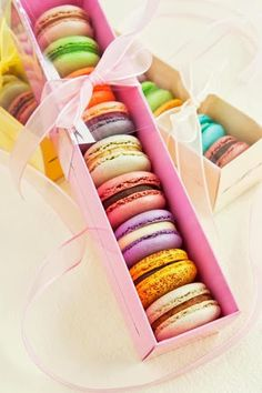 colorful macarons /// #macaron #colorful #wrapping #gift #treat #sweets #dessert