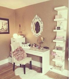 Teen Girl Bedrooms truly dreamy living space - Cozy to breathtaking styling examples. Saved at diy teen girl bedrooms desks , wicked post ref posted on 20190116 My New Room, My Room, Spare Room, Vanity Room, Diy Vanity, Vanity Ideas, Mirror Ideas, Vanity Set, Vanity Shelves