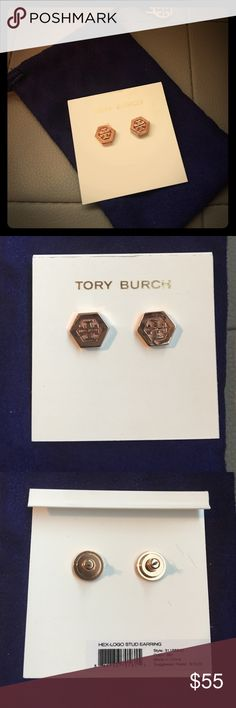 🎄 perfect Christmas gift 🎁 Earrings HEX -Logo STUD earring tory burch never beer worn. Tory Burch Jewelry Earrings