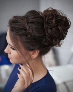 Tonya Pushkareva Long Wedding Hairstyle for Bridal via tonyastylist / http://www.himisspuff.com/long-wedding-hairstyle-ideas-from-tonya-pushkareva/25/