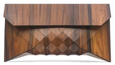 A totally original clutch by Tesler Mendelovitch. Handmade extra-large clutch constructed from rosewood which is a richly hued wood with deep red and brown tones and a beautiful grain. Wooden Purse, Best Crossbody Bags, Fashion Bags, Style Fashion, Fashion Design, Fashion Details, Fall Fashion, Fashion Shoes, Purses And Bags