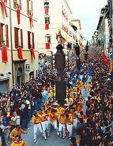 http://en.wikipedia.org/wiki/Saint_Ubaldo_Day  ⚜Vitanapoli⚜ La vita è un sogno