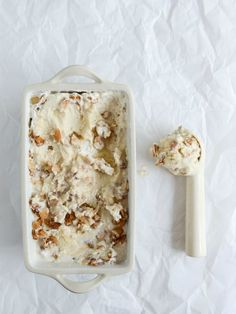 Almond Torte Mascarpone Ice Cream with a Brown Butter Almond Crunch I howsweeteats.com