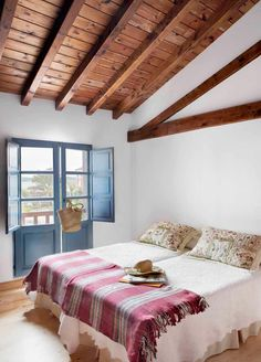 Spanish Bedroom, Home Bedroom, Bedroom Decor, Bali Style Home, Italy House, Small House Plans, Cool Rooms, Renting A House, Country Decor