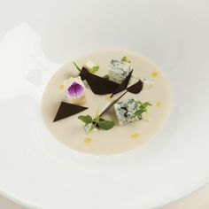 Crema di topinambur, cioccolato e #gorgonzola - #Ricette Antonino #Cannavacciuolo Chef