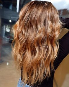 Golden Blonde Balayage for Straight Hair - Honey Blonde Hair Inspiration - The Trending Hairstyle Hair Color Balayage, Hair Highlights, Balayage Hair Caramel, Caramel Honey Highlights, Blonde Hair With Brown Highlights, Copper Blonde Balayage, Strawberry Blonde Highlights, Copper Ombre, Honey Balayage