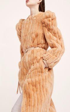 Nina Ricci Pre-Fall 2017 Fashion Show Collection Fur Fashion, Fashion Week, Fashion 2017, High Fashion, Winter Fashion, Fashion Show Collection, Vogue Paris, Divas, Editorial Fashion