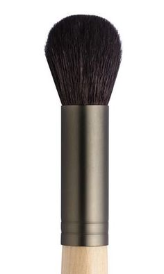 One of the hardest working brushes on the market, jane iredale's Dome Brush is perfect for bronzing, blushing or contouring.