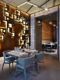 Taiyo est un restaurant de sushi situé à Milan, le projet a été dirigé par l'architecte et scénographe Maurizio Lai. Il présente son travail comme un dialogue entre la lumière et la matière, inspiré par une image internationale et contemporaine