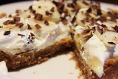 Look at this recipe - Quick Banoffee Pie - and other tasty dishes on Food Network. Torta Banoffee, Banoffee Cheesecake, Best Banoffee Pie Recipe, Lemon Cheesecake, Köstliche Desserts, Delicious Desserts, Dessert Recipes, Yummy Food, Cooking
