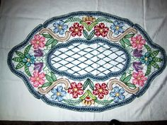 Colorful example of Romanian Point Lace crochet: Lectii de Macrame (mileuri) - Lectii de crosetat