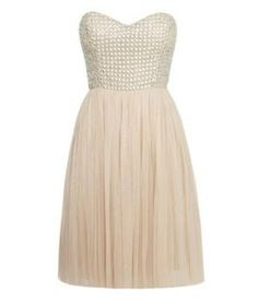 This dress is sooooo cute!