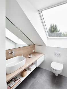 Attic conversion, rating modern bathroom by philip kistner photography modern - Dachgeschossausbau, Ratingen: modern bathroom by Philip Kistner Fotografie - Small Attic Bathroom, Loft Bathroom, Upstairs Bathrooms, Bathroom Interior, Modern Bathrooms, Master Bathroom, Small Shower Room, Serene Bathroom, Bathroom Green