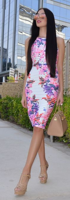 Spring Street Style Chic / karen cox. Bodycon Print Inspiration Dress