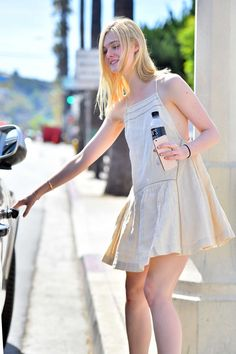 Elle Fanning Spring Fashion – Out in Studio City, April 2015 Petite Dresses, 15 Dresses, Dakota And Elle Fanning, Star Fashion, Womens Fashion, Cute Girl Photo, Girl Inspiration, Beautiful Actresses, Girl Photos
