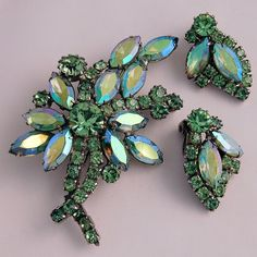 Vintage Weiss Demi Flower Brooch Earrings Green Aurora Borealis Rhinestones